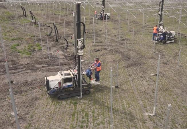 Construction par Krinner de la centrale photovoltaïque de Cestas, la plus puissante centrale solaire d'Europe